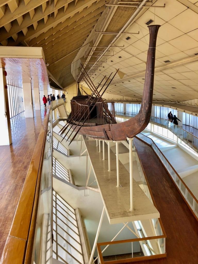 エジプト ギザ 「太陽の船博物館」 復元された太陽の船