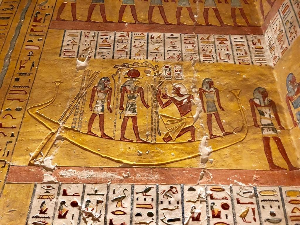 エジプト ルクソール 「王家の谷」太陽の船に乗る神々 壁画