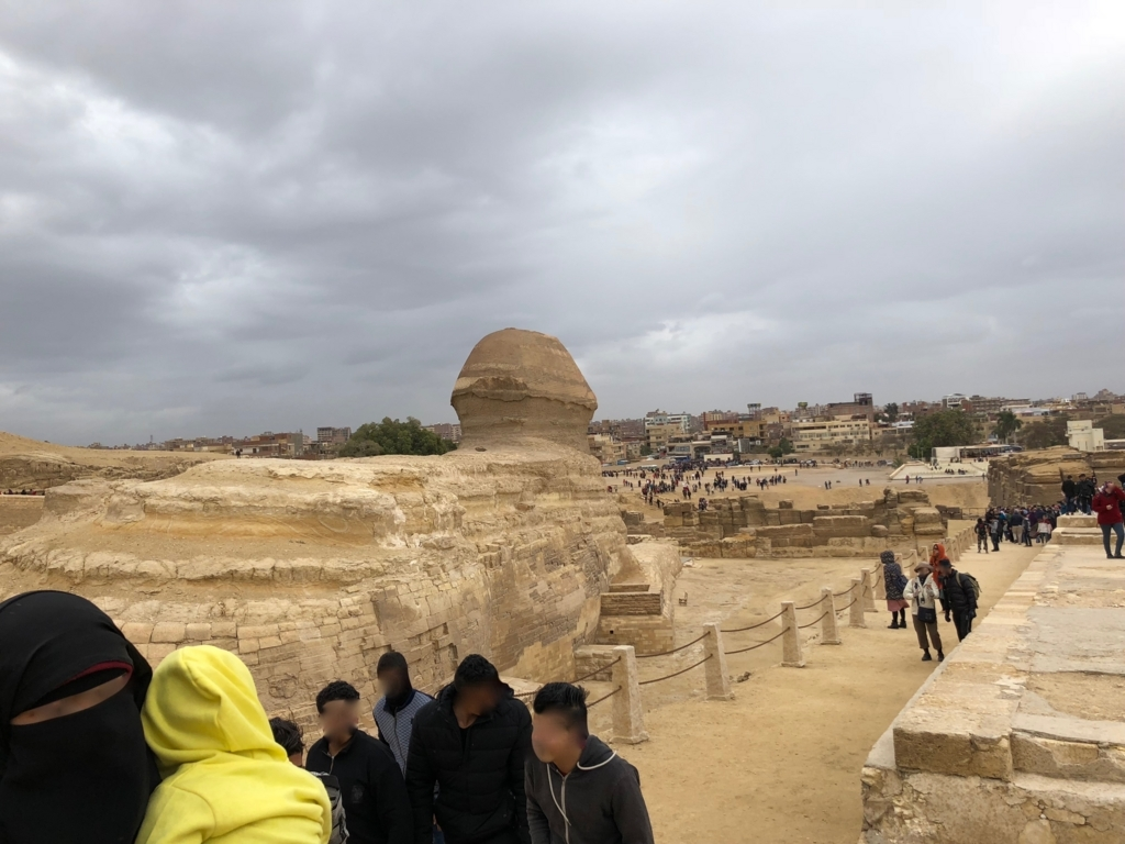 エジプト ギザ 大スフィンクス 横 カフラー王のピラミッドまでの参道