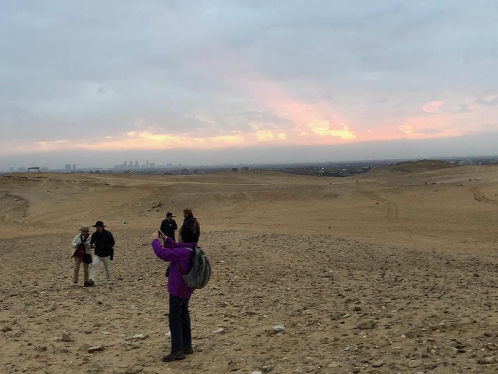 エジプト ギザ 3大ピラミッド セカンドパノラマ 横から朝日