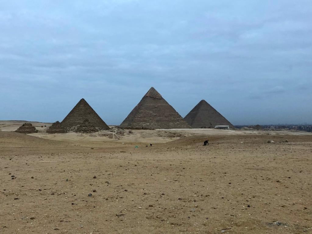 エジプト ギザ 3大ピラミッド セカンドパノラマより