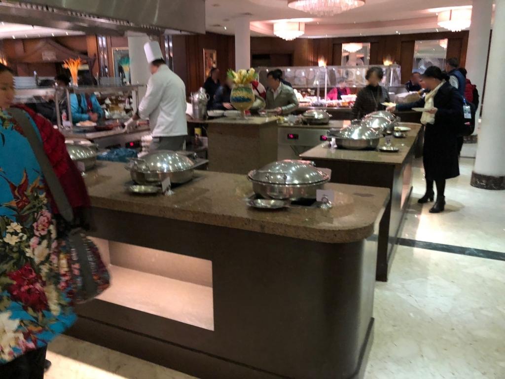 エジプト ギザ「ピラミッズホテル」 朝食バイキング ホットミール