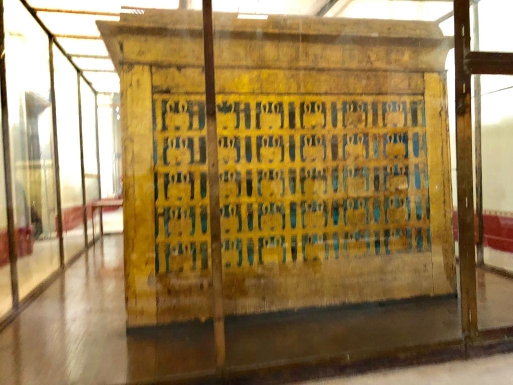 エジプト カイロ 「エジプト考古学博物館」ツタンカーメン 第一厨子