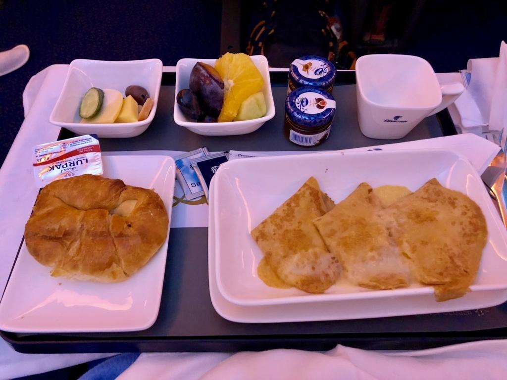 エジプト航空 カイロ-成田 MS964便 ビジネスクラス 2回目の機内食 朝食