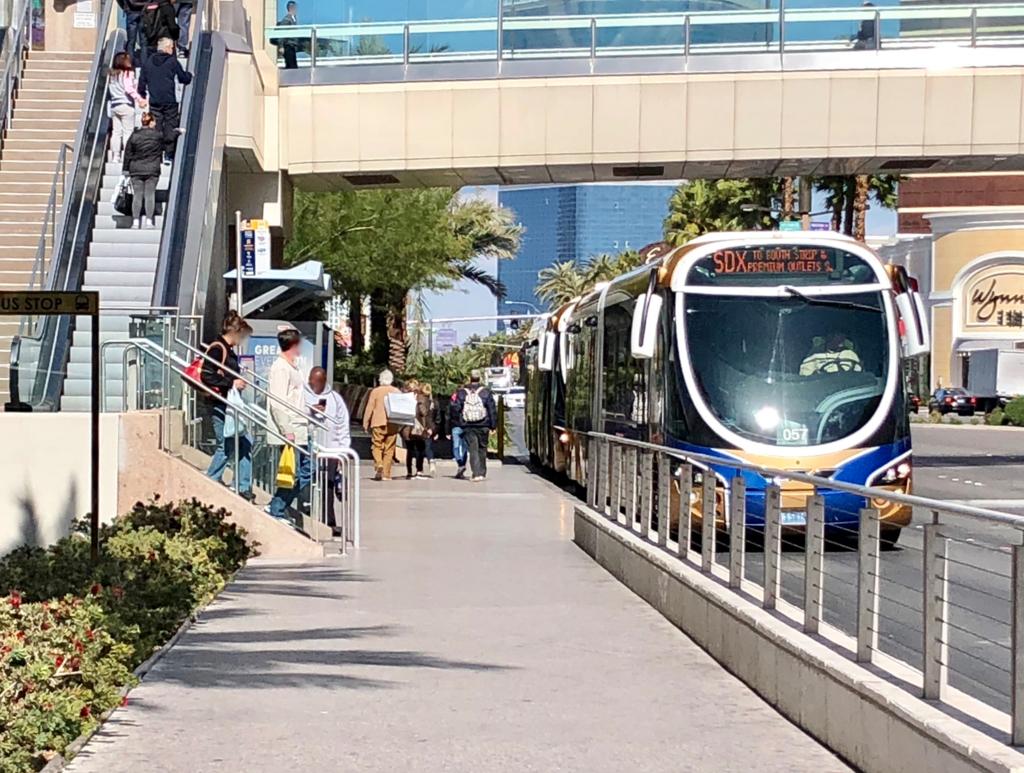 2018年2月 ラスベガス バス停:Fashion Show Mallにて 「SDX」撮影