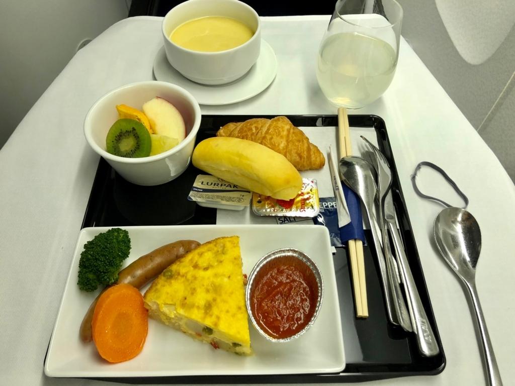2018年2月 ANA 成田-ロサンゼルス NH6便 2回目機内食 洋食 朝食