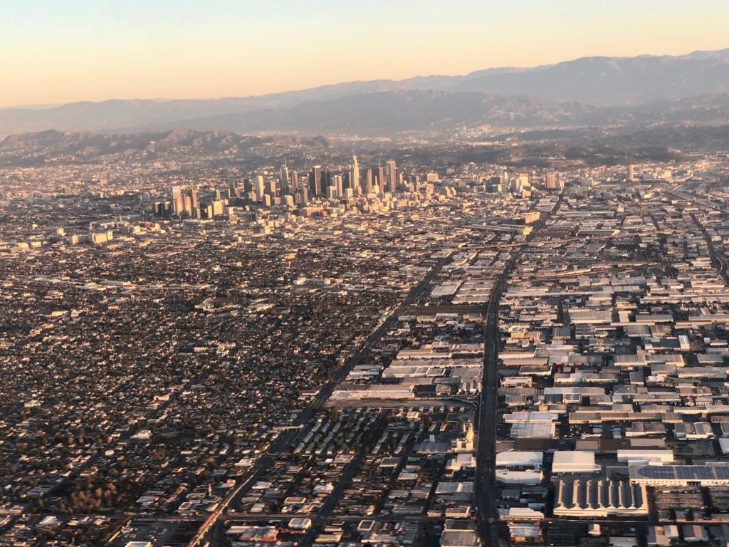 2018年2月 ラスベガスーロサンゼルス UA324便 ロサンゼルス到着