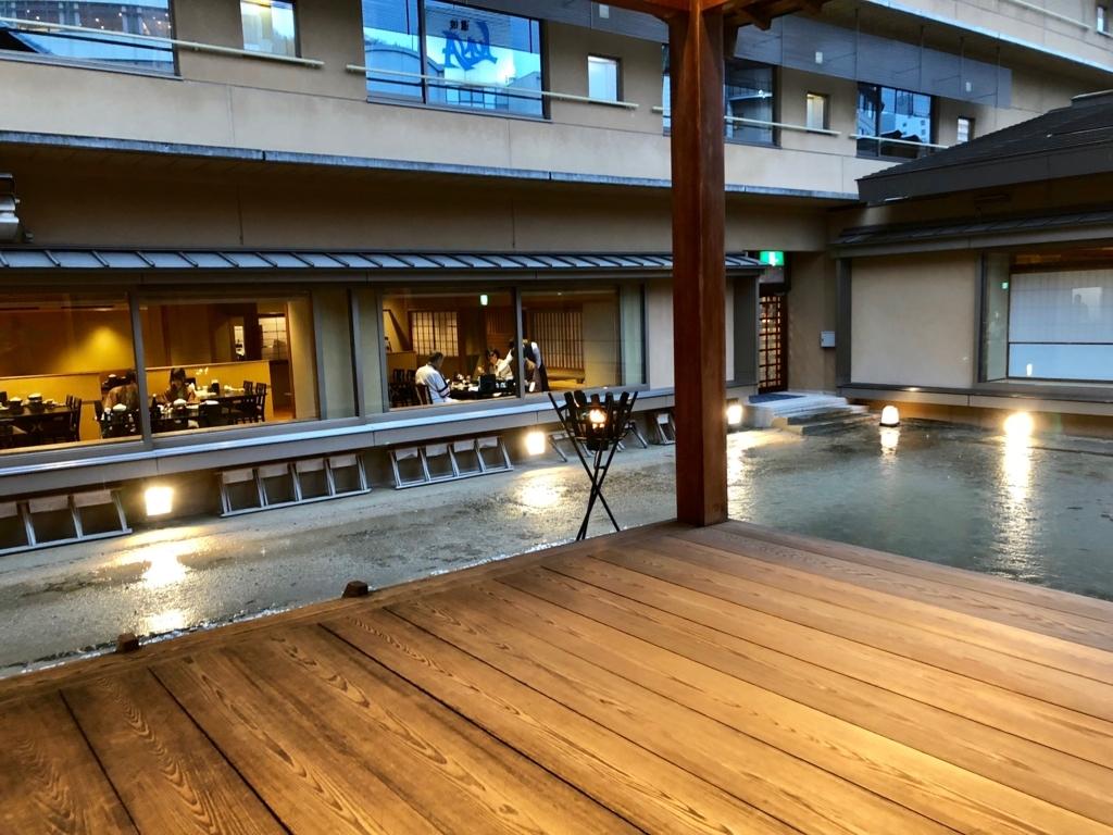 道後温泉 「大和屋本館」4階 能舞台 「千寿殿」より レストラン