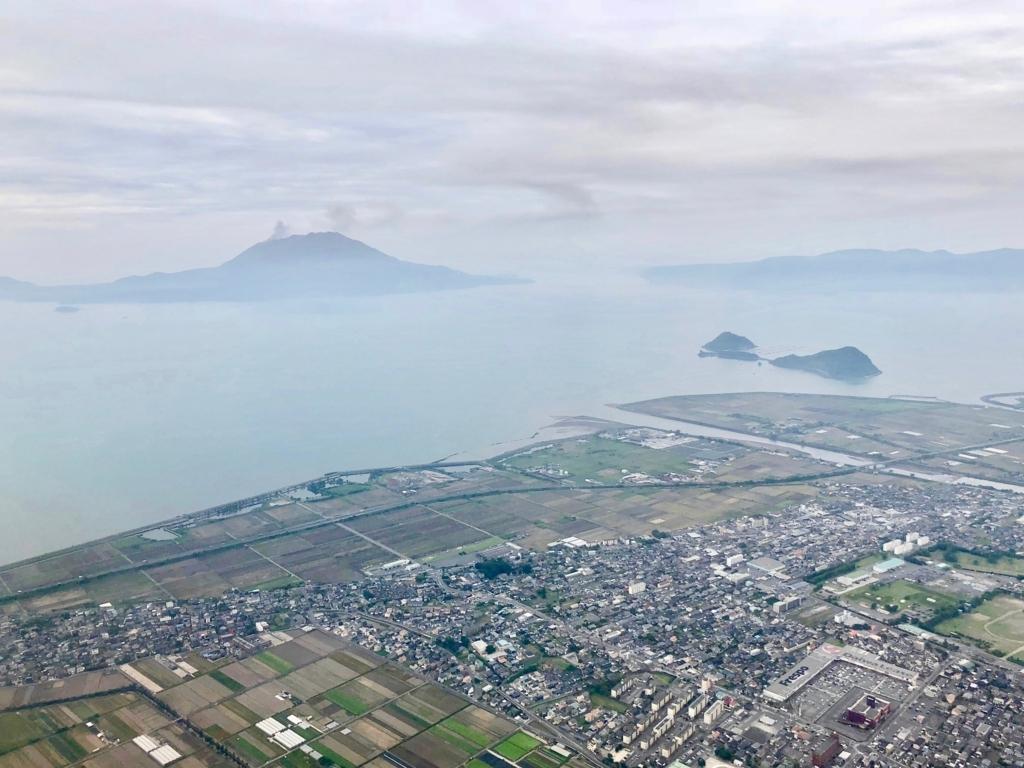 2018年5月 鹿児島上空 向こうに 桜島