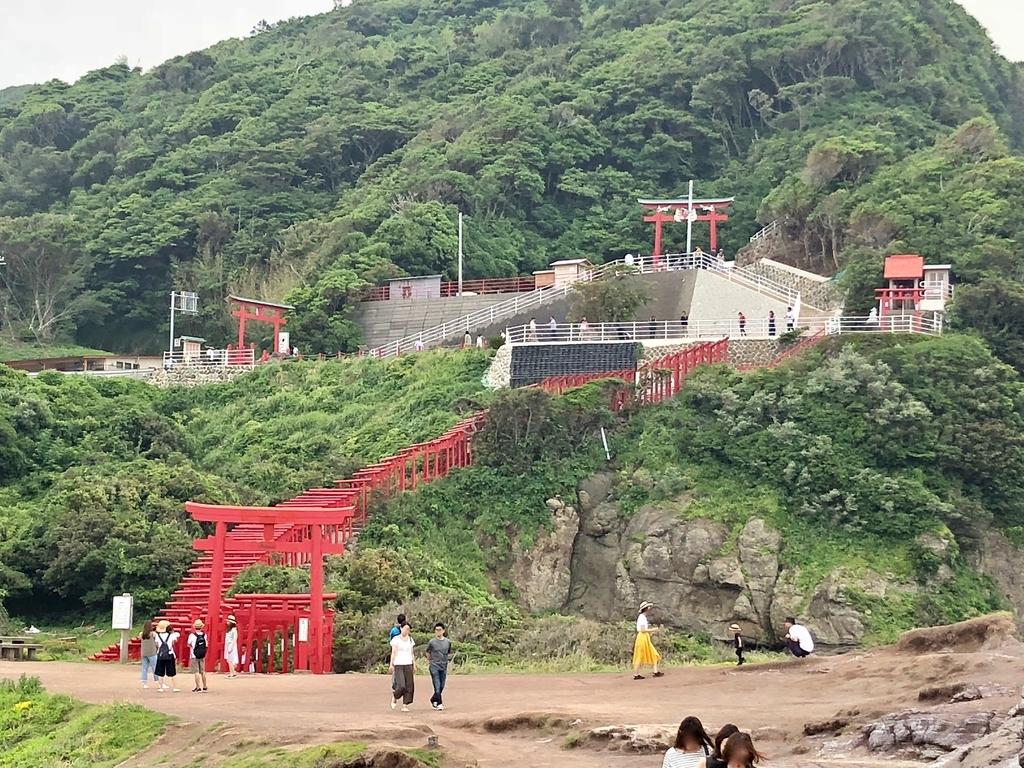 2018年6月 山口県 「元乃隅稲成神社」下から撮影