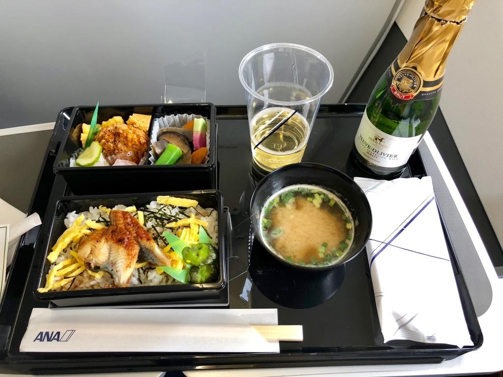 ANA 山口宇部-羽田 17:00発 プレミアムクラス夕食