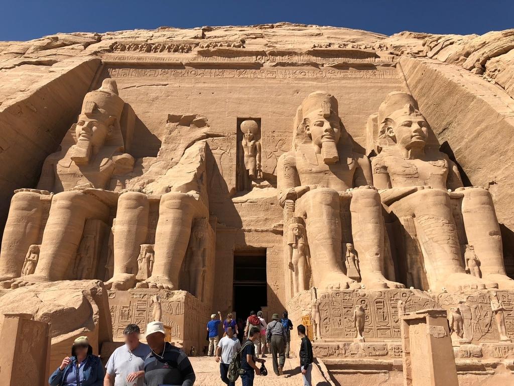 エジプト 南部 アブシンベル神殿