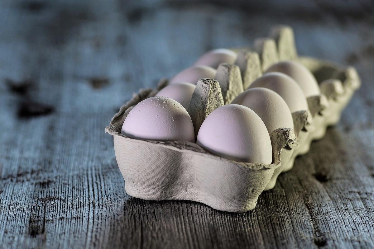 スーパーの卵