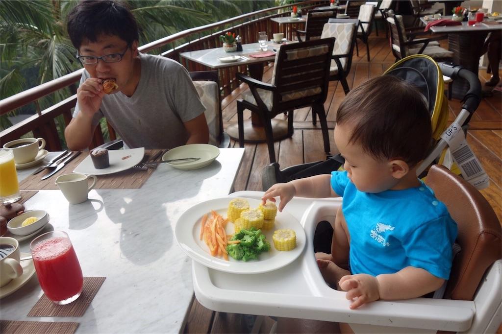 フォーシーズンズバリ ウブド 朝食 赤ちゃん