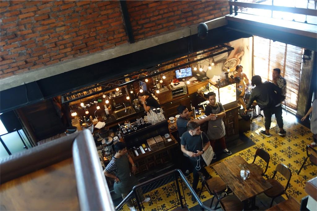カフェ 店内 席