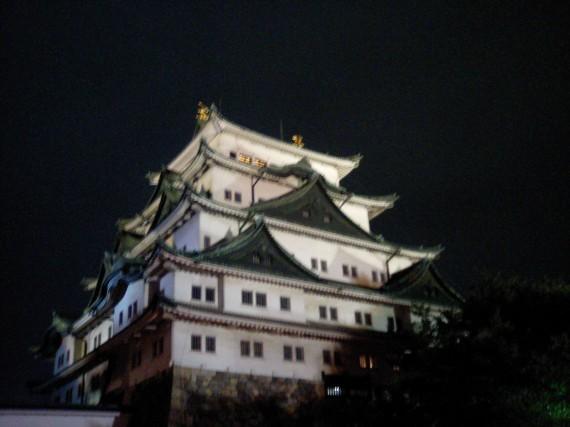 名古屋城 (携帯電話で撮影なので画質が…)