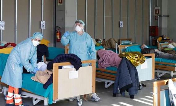 イタリア医療崩壊
