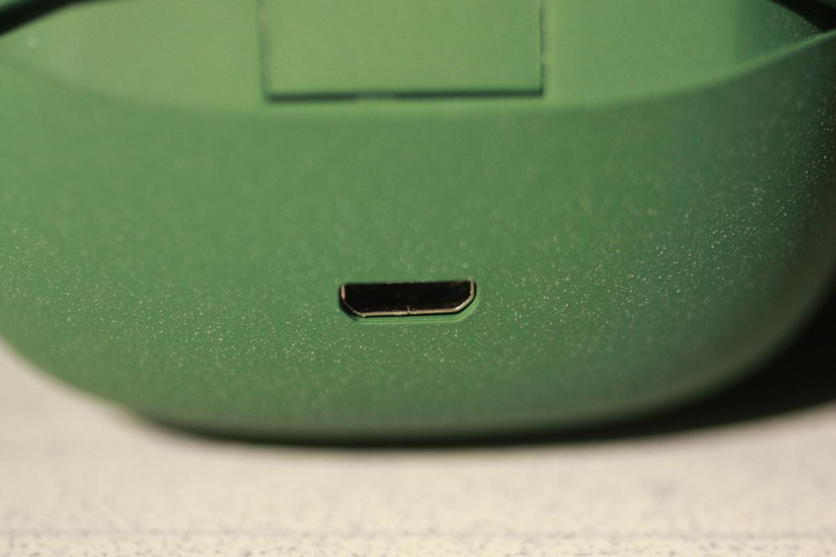 TWS03R 充電端子