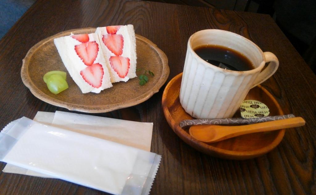 JULES VERNE COFFEE (ジュールヴェルヌコーヒー)フルーツサンド