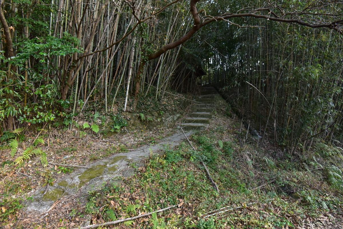 北村磨崖仏への参道 大分県杵築市