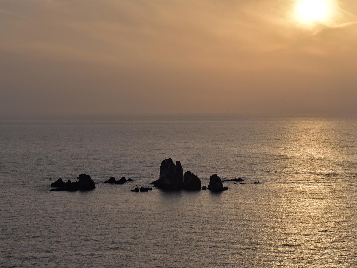 〒863-2801 熊本県天草市天草町大江 西平椿公園からの夕日