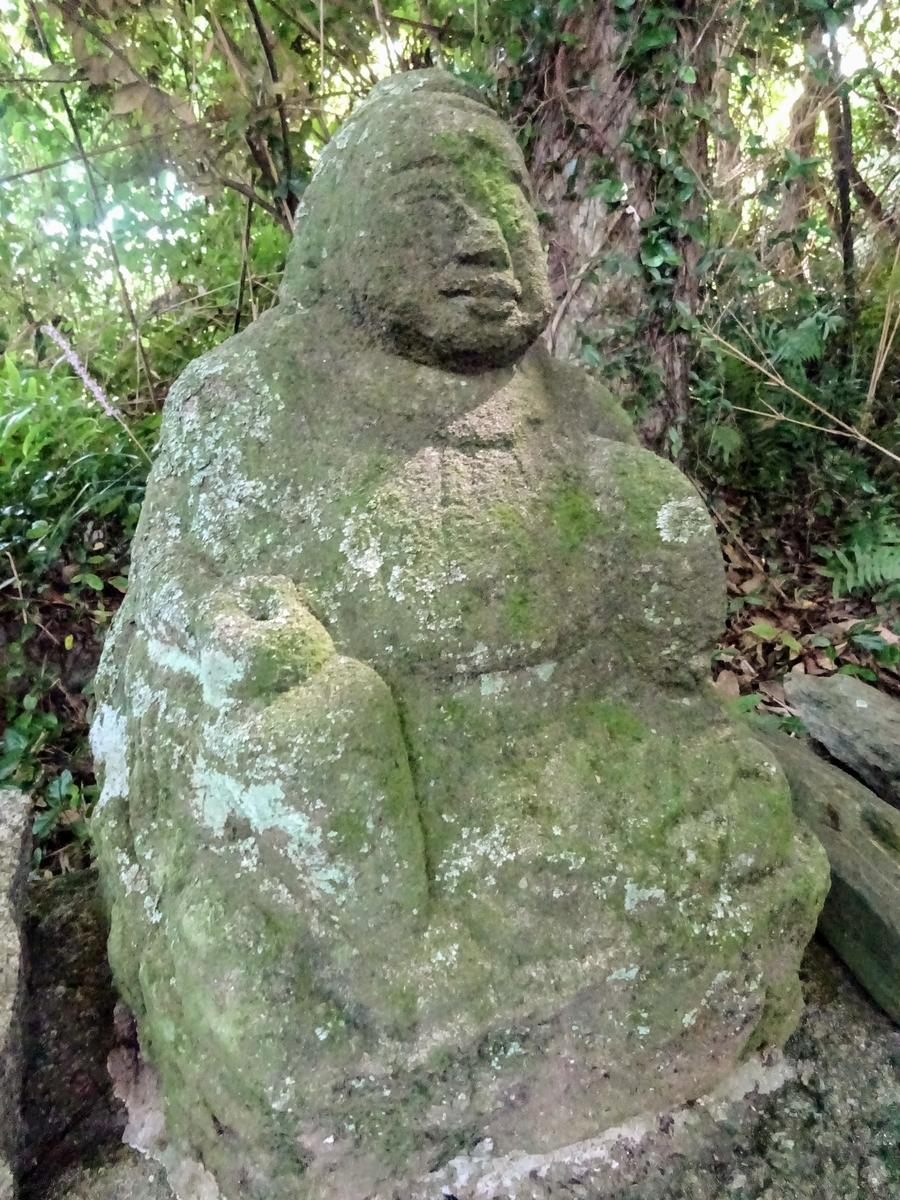 福岡県田川郡福智町金田の稲荷神社にまつられている恵比寿様