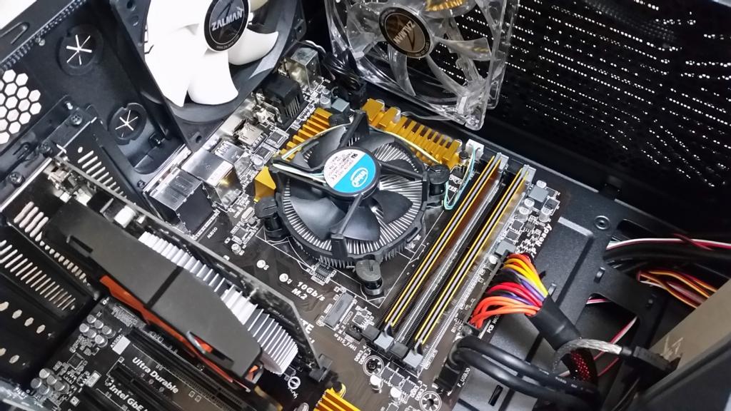 自作PCの内部