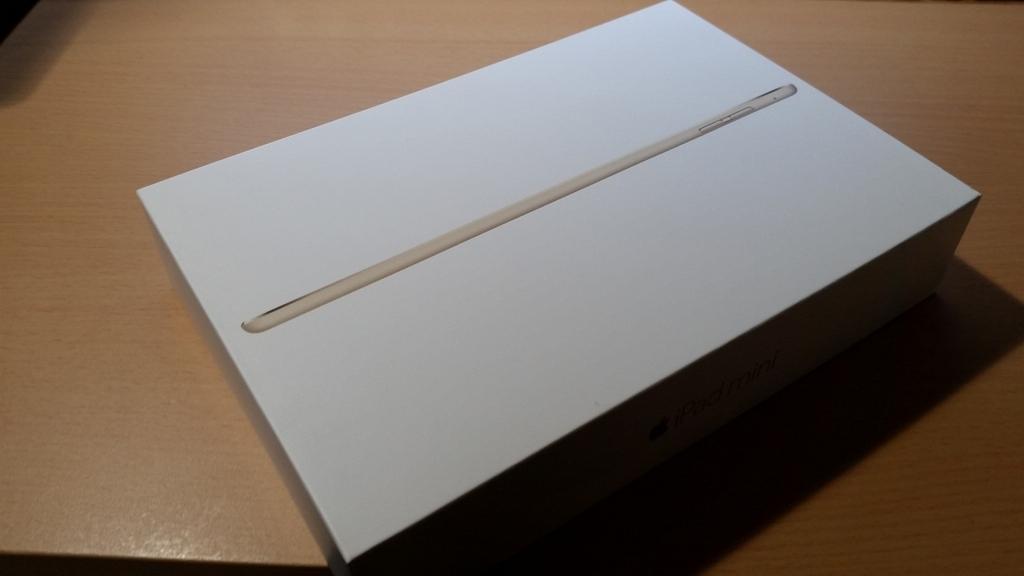Apple「iPad mini 4」 パッケージ