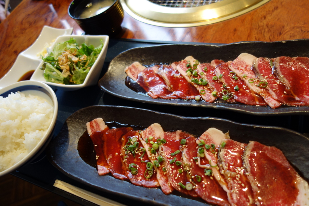 これが九州チャンピオン宮崎牛の実力か…!平日は500円メニューもある「炙りや 秀苑」のランチはあま~い肉汁で究極の幸せを味わえる