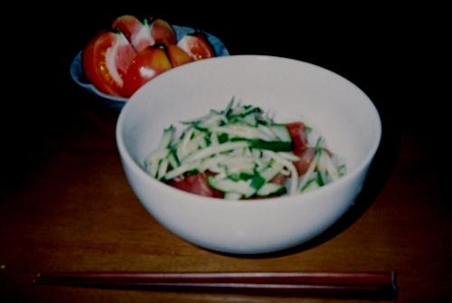 井原流 冷麺 トマトが添えてあるのは、ご愛嬌www