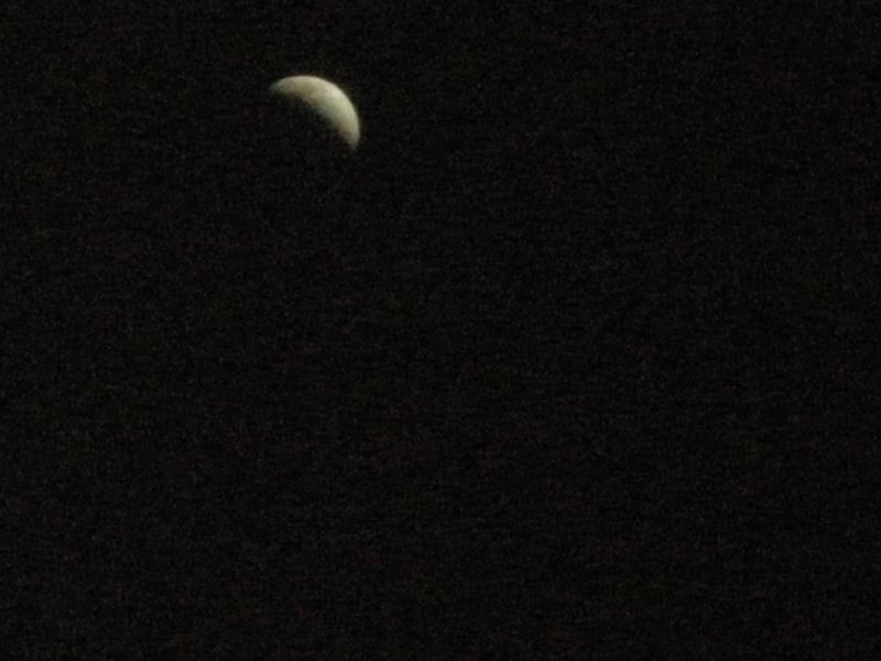 本格的に寒くなってきました。月食