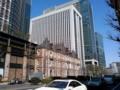 馬場先門方面から見た、三菱一号館と三菱東京UFJ銀行本店