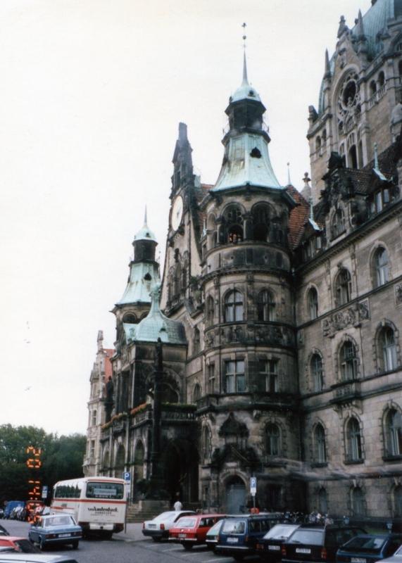 ハノーファー市庁舎(旧庁舎、市長執務室は丸い塔みたいなところ)