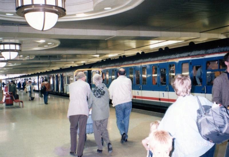 ロンドン チャリングクロス駅ホーム