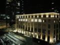 新丸ビルから見たJPタワー(東京中央郵便局)