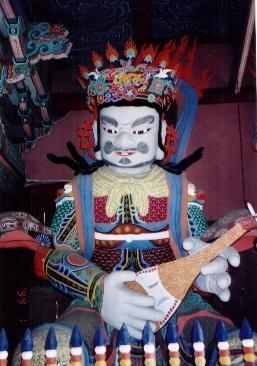 父&兄と行った韓国。お寺の名前は忘れた