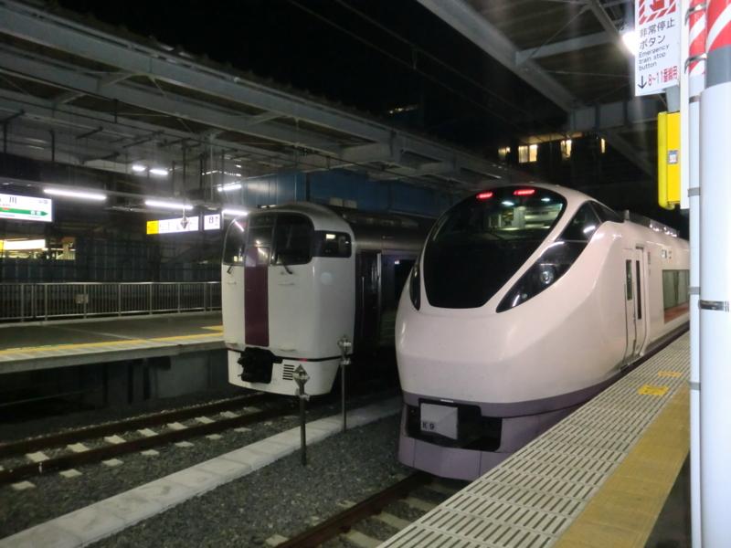 品川駅 快速アクティと特急ひたち