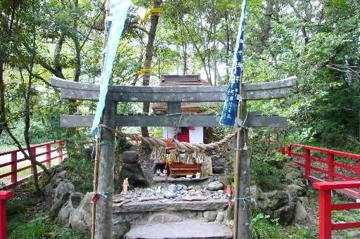 田代島13猫神社/20100818
