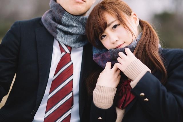 結婚相手を見極めるカップル
