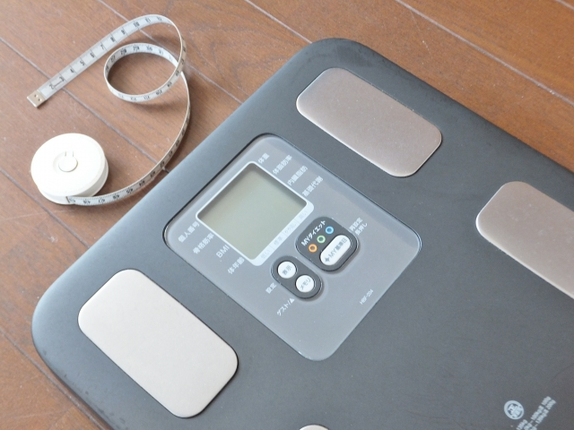 体重計とメジャー