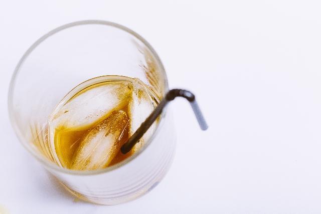 お酒を飲み終えたグラス