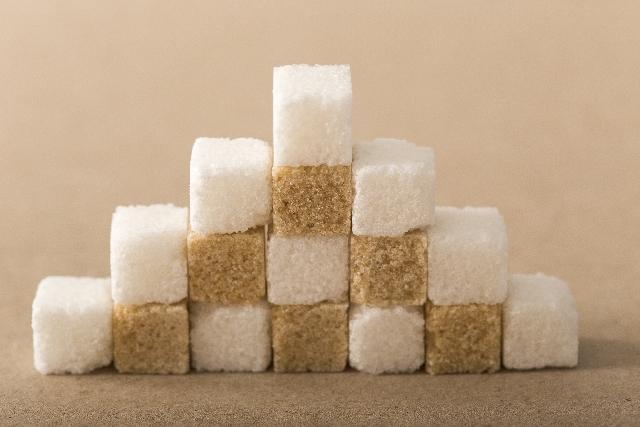 積まれた角砂糖