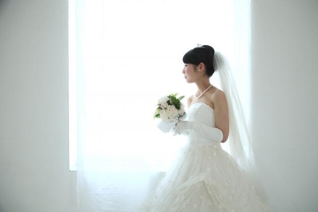 白のウェディングドレス