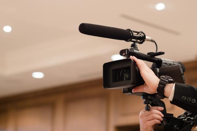 本格的なビデオカメラ