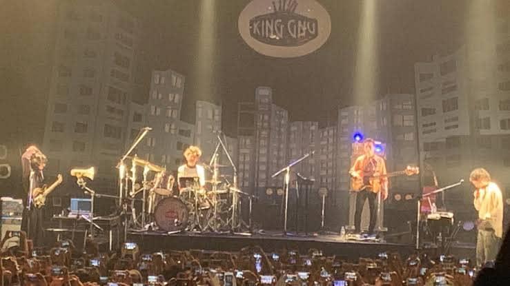 King Gnuの演奏シーン