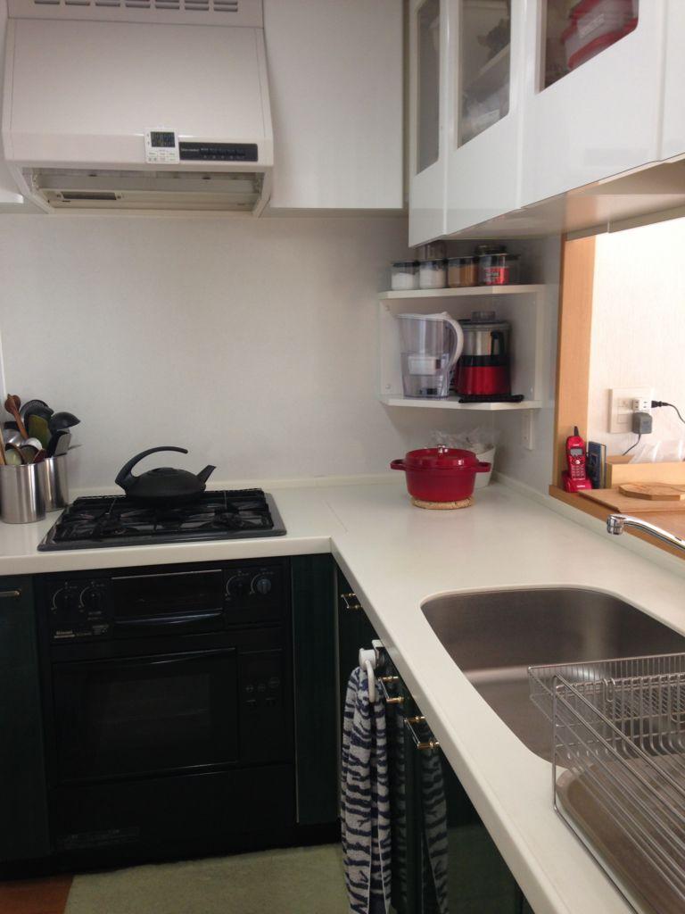 マンションのL字型キッチン