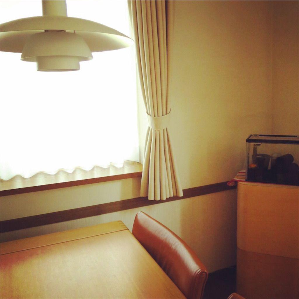 リビングの隅に、無印の壁に付ける家具