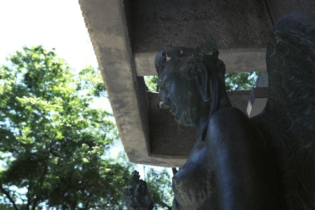 広島平和記念公園にある銅像