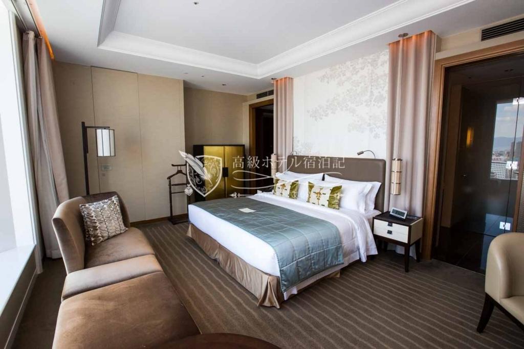 The St. Regis Osaka/Four-Star:Grand Deluxe Room(51㎡) セントレジスホテル大阪:グランドデラックスルーム