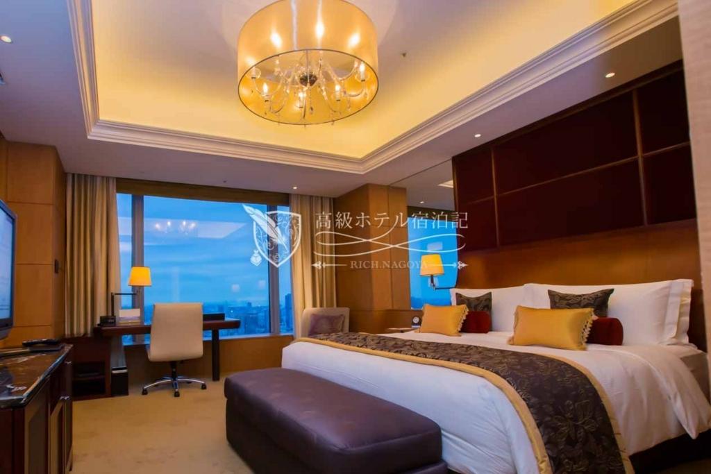 Shangri-La Hotel, Tokyo/Four-Star:Premier Suite(120㎡) シャングリ・ラ ホテル 東京:プレミアスイート1